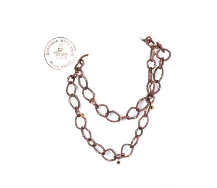 Collana con maglia ad anelli in caucciù handmade