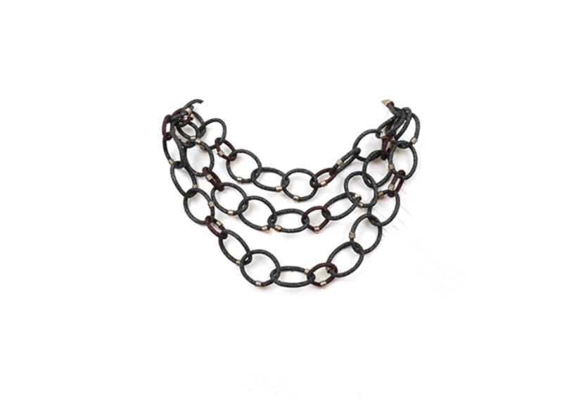 Collana con maglia intrecciata ad anelli