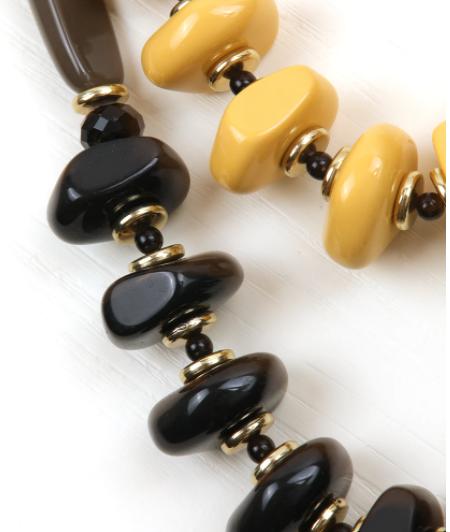 Collana lunga multificlo con pietre in resina e metallo